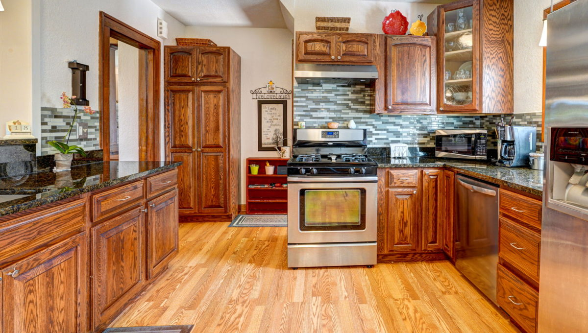 14-web-or-mls-Kitchen_1
