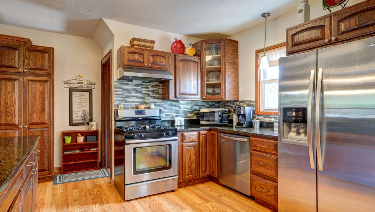 15-web-or-mls-Kitchen_2