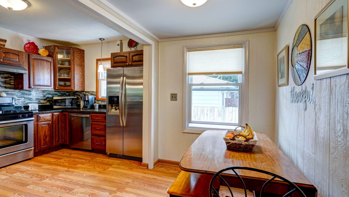 18-web-or-mls-Kitchen_5