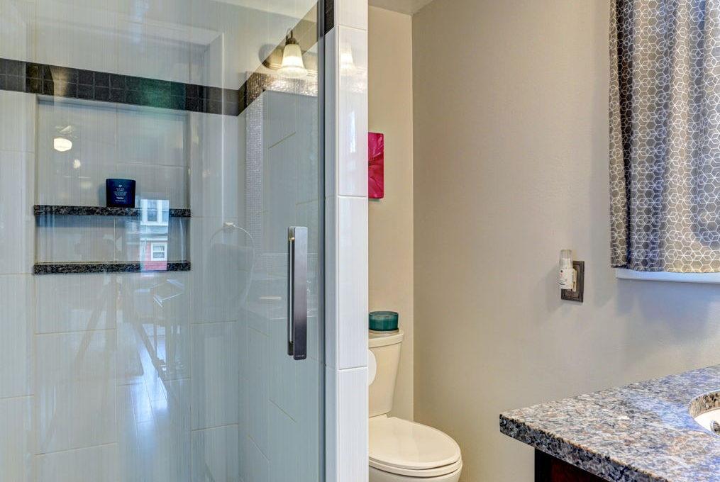 3-web-or-mls-Bath2